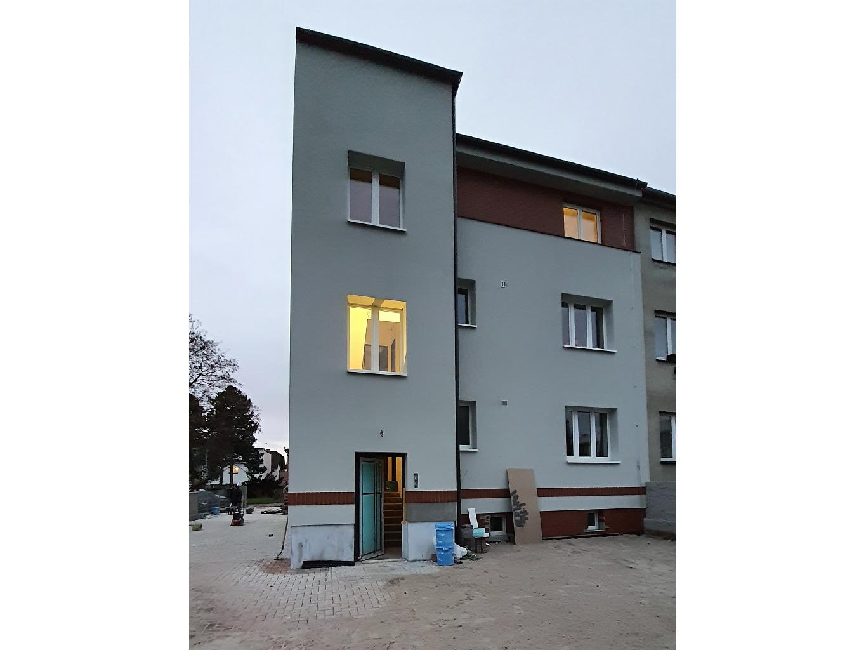 Apartment building in Prague-Ďáblice 1/6