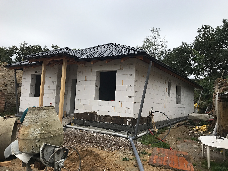 Family house near Slaný 1/9